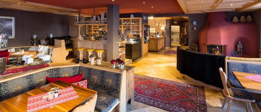 Hotel Somont Bar.jpg